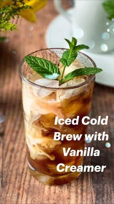 Coffe Drinks, Healthy Coffee Drinks, Coffee Milkshake, Healthy Cocktails, Iced Coffee Recipes, Homemade Vanilla Creamer, Cocoa Drink, Cafe Recipes, Buzzfeed Tasty