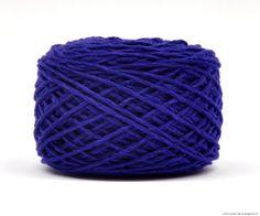 Anticipons le froid en douceur… Tricotons cachottière coloris Copenhague #ladroguerie #tricot  « Cachottière » 30% Super Cashmere 70% laine mérinos extra fine