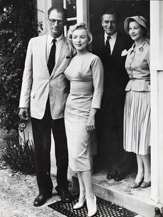 Arthur Miller and Marilyn Monroe with Laurence Olivier and Vivien Leigh