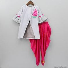 Shop online for Indian Ethnic wear for your baby, toddler or child. Choose from a range of modern or traditional, vibrant and colourful outfits. We also customise Indian Ethnic Wear. Kids Dress Wear, Little Girl Dresses, Girls Dresses, Kids Indian Wear, Kids Ethnic Wear, Kids Fashion Wear, Kids Dress Patterns, Kids Lehenga, Kids Suits