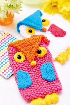 Issue 81 Sneak Peek: Be wise and protect your phone in a cosy cover