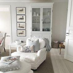 Sofia è la proprietaria di questa meravigliosa casa affacciata sul mare in Svezia , è un'interior designer e ha anche un bellissimo ne...
