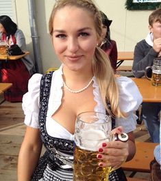 Oktoberfest is here, it's time to raise your beer! Oktoberfest Costume, Oktoberfest Beer, German Girls, German Women, Octoberfest Girls, Beer Girl, Dirndl Dress, Beer Festival, Bugs