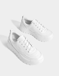 Best White Sneakers, Chunky Sneakers, Girls Sneakers, Girls Shoes, Shoes Sneakers, Birkenstock Sandals, Sneaker Boots, Cloth Bags, Look Cool
