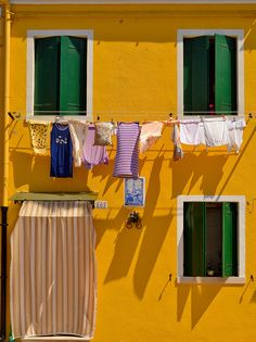 Colorful houses - Burano, Italy #Travel #Places