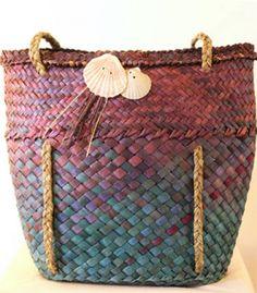 Kete hand woven Flax Weaving, Bamboo Weaving, Weaving Art, Weaving Patterns, Basket Weaving, Woven Baskets, Hand Weaving, Woven Bags, New Zealand Flax