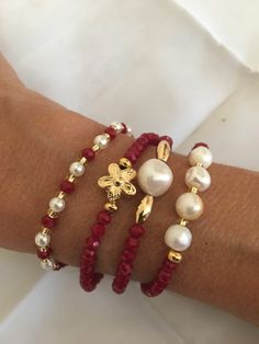 Jewels jewelry storage and organization - Storage And Organization Bead Jewellery, Wire Jewelry, Jewelry Crafts, Beaded Jewelry, Jewelery, Jewelry Bracelets, Beaded Necklace, Jewelry Storage, Bracelet Making