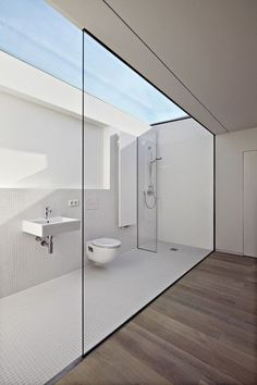Luxury Bathroom Master Baths Marble Counters is utterly important for your home. Whether you choose the Luxury Bathroom Ideas or Luxury Bathroom Master Baths Walk In Shower, you will make the best Interior Design Ideas Bathroom for your own life. Bathroom Windows, Bathroom Interior, Skylight Bathroom, Glass Bathroom, Shower Bathroom, Bathroom Faucets, Zen Bathroom, Spa Shower, Concrete Bathroom