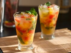 Chuck Hughes Icebreaker Mojitos with pineapple and watermelon Fruity Alcohol Drinks, Drinks Alcohol Recipes, Alcoholic Drinks, Drink Recipes, Party Recipes, Healthy Recipes, Mojito Recipe, Sangria Recipes, Cocktail Recipes