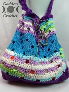 Hip Squares Beach Tote by Goddess Crochet for The Stitchin' Mommy | www.thestitchinmommy.com