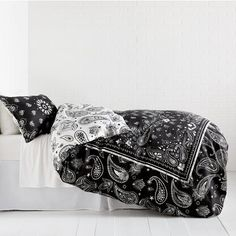 Bandana Print Reversible Duvet Cover and Sham Set – Charcoal – Dormify Cotton Bedding, Quilt Bedding, Cotton Pillow, Bedspread, Bandana Quilt, Bandana Blanket, Vintage Bandana, Red Bandana, Dark Grey Bedding