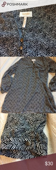 Laundry tunic Lovely and flowy. Herringbone graphic pattern. Three-quarter links leaves can be worn down or rolled up. Laundry By Shelli Segal Tops