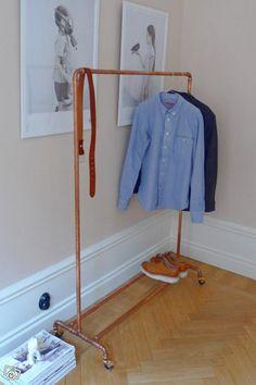 Snygg klädställning (klädhäst) i koppar | Blocket