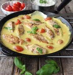 Chutney, Cheeseburger Chowder, Quiche, Chicken Recipes, Curry, Dinner, Cooking, Breakfast, Food