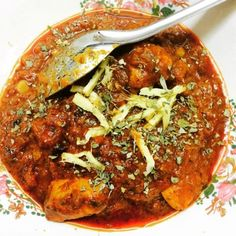 In this curry, Ive taken a shortcut and used a jar of pasta sauce and minced ginger and garlic from a jar but the end result would never make you think this isnt an authentic Indian or Pakistani recipe! The spices do a wonderful job of adding a kick to the curry and the aroma is absolutely amazing, thanks to the dried fenugreek. You will keep coming back to this recipe! Its a favourite at my house for those busy days!
