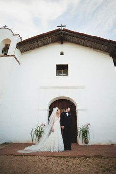 Santa Barbara Wedding by Lola Film & Video + EPLove Photography  Read more - http://www.stylemepretty.com/2011/10/26/santa-barbara-wedding-by-lola-film-video-eplove-photography/