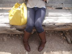 Another fall fav :: bright yellow bag, white and brown houndstooth peacoat, jeggings, and dark brown boots #ootd