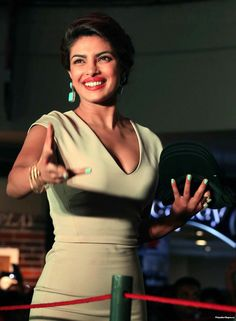 Actress Priyanka Chopra, Indian Actresses, Bollywood, Sporty, Singer, Hot, Beauty, Beautiful, Black