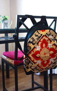Obi / Kimoo / Backpack / Gorgeous Embroidery Silk Obi Backpack by RummyHandmade on Etsy Kimono Fabric, Fabric Bags, Japanese Embroidery, Embroidery Kits, Asian Crafts, Kimono Fashion, Tokyo Fashion, Vintage Kimono, Denim Bag