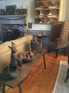 Primitive Living Room - love the Easter decor