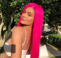 Fashion trends : manicpanicnyc:HOT HOT PINK at COACHELLA! thank you @ Kylie… manicpanicnyc: HOT HOT PINK at COACHELLA! thank you @ Kylie Jenner for flaunting our manic panic hot hot pink + cotton candy pink hair color. Kylie Jenner Fotos, Peinados Kylie Jenner, Kily Jenner, Look Kylie Jenner, Kylie Jenner Hair, Kendall And Kylie, Kendall Jenner, Kylie Jenner Coachella, Colorful Hair