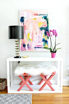 25 Entryway Artwork Ideas To Make An Impression - DigsDigs My Living Room, Home And Living, Tables Tableaux, Console Table, Interior Decorating, Interior Design, Decorating Ideas, Decor Ideas, Foyer Decorating
