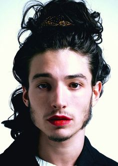 Ezra Miller for Paper Magazine by Autumn De Wilde. Androgynous / androgyny / men in lipstick / men with long hair / long-haired men Beautiful Men, Beautiful People, Genderqueer, Androgynous, Drawing People, Pretty People, Character Inspiration, Portrait Photography, Actors