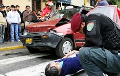EL UNIVERSAL PERU: Calles peligrosas