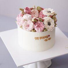 #flowercake #buttercream #wiltoncake #buttercreamcake #wilton #am1122cake #florist #weddingcake #specialcake #birthdaycake #butter #carnation #cake #wedding #instacake #peony #버터크림 #플라워케이크 #꽃케이크 #수제케이크 #플라워케익 #결혼기념일 #생신케이크 #주문케이크 #카네이션 #카네이션케이크 #플라워케이크클래스 #기념일케이크 #생신케익  www.am1122cake.com pandasm1122@naver.com✔️