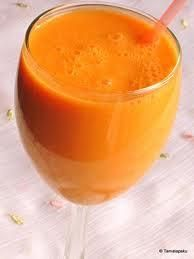 Zanahoria-Orange Smoothie con Fechas y Almendras