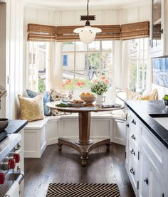Small Beach Cottage Kitchen. Would love this as living on my own...