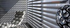 Cortinas y Persianas Hunter Douglas - Decoranorte, Bogotá. 3102093621 Blinds, Home Decor, Ideas, Modern Bedroom Decor, Doors, Interior Design, Yurts, Hearths, Decoration Home