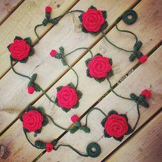 Red Crochet Rose Garland designed and handmade by © Elvira Jane
