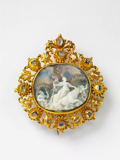 The cameo probably Italian, 16th C.; the frame 17tAn 18k gold and layered chalcedony cameo brooch with rape of Europa, Auction 1066 Decorative Arts, Lot 19