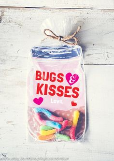 Printable Valentine candy gift DIY mason jar Valentine for gummy worms or toy bugs by KudzuMonster Valentines Bricolage, Kinder Valentines, Valentines Day Food, Valentine Day Cards, Valentine Crafts, Printable Valentine, Valentines Goodie Bags, Valentine Gifts For Toddlers, Pot Mason Diy