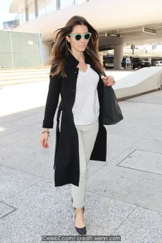 Jessica Biel seen arriving at Los Angeles international airport (LAX) pictures Jessica Biel, Celebrity Red Carpet, International Airport, Music Awards, Opera House, Stretches, Duster Coat, Blood, Hairstyles