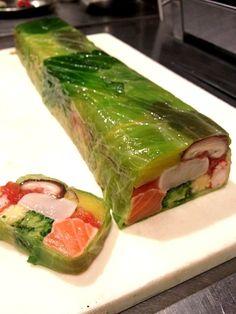 japanese food, sushi, sashimi, japanese sweets, for japan lovers Cucumber Recipes, Sushi Recipes, Asian Recipes, Cooking Recipes, Healthy Recipes, Sushi Comida, Food Decoration, Food Platters, Japanese Food