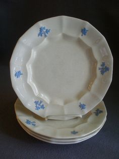Set of 4  Chelsea Grape  Pattern Ironstone Dinner Plates & Pair of