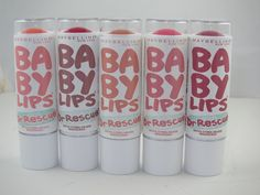 Maybelline New York Baby Lips Dr. Rescue Medicated Lip Balm which popped up earlier at Walmart exclusively are now available across drugstores or will be Maybelline Baby Lips, Medicated Lip Balm, Gloss Labial, Hot Pink Lipsticks, Lip Balm Recipes, Make Up Inspiration, Pink Lip Gloss, Lip Stain, Lip Care