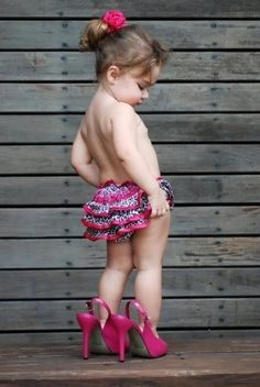 little girl in her mother's shoes - kids fun photos ...