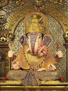 Chandra, who is also known as Soma and Indu, is the basis of Somvaar Jai Ganesh, Ganesh Lord, Shree Ganesh, Ganesha Pictures, Ganesh Images, Ganesh Wallpaper, Lord Shiva Hd Wallpaper, Dagdusheth Ganpati, Pune Ganpati