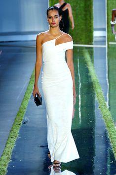 Gizele Oliveira for Cushnie - Spring/Summer 2019 - New york Fashion Week. Gizele Oliveira for Cushnie - Spring/S. Bridesmaid Dresses, Prom Dresses, Summer Dresses, Wedding Dresses, Fashion Mode, Look Fashion, Dress Vestidos, Different Dresses, Party Dresses For Women