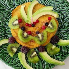 Um bom dia especial para mim  Panquecas de abóbora e aveia germinada com abacate kiwi e frutos vermelhos  #pancakeaddict #pancake #pancakelover #pancakes #breakfasts #happybirthday #birthday #gm #fitnessportugal #fit #fitness #fitfam #fitfamilly #eatclean #eathealthy #eatingfortheinsta #instafood #instafit #instahealthy #healthyfood #healthyoats #healthylifestyle #foodie #protein ( # @danielalancinha )