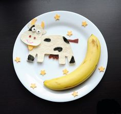 Turn an ordinary plate of food into a work of art with this nursery-rhyme-inspired snack.  Source: Meet the Dubiens