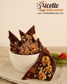 Sfoglie di cioccolato con frutta secca  #cioccolato #fruttasecca #chocolate #sfoglie #foodporn #vsco #foodstyle #food #cooking #foodstagram #follow #followme #instagood #instalike #instadaily #recipe #italianrecipe #italianfood #ricettedellanonna #good #love #happy #italy #passione #fotooftheday #foodblogger #chef #beautiful #foodpics #vscofood