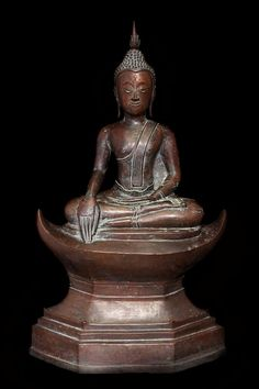 Extremely Rare Early 18C Bronze Laos Buddha