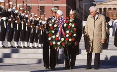 Wreathlaying at the Navy Memorial dedication - October 13, 1987