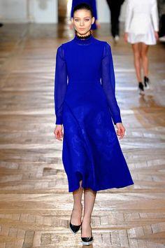 Kati Nescher au défilé Stella McCartney http://www.vogue.fr/mode/cover-girls/diaporama/le-top-kati-nescher-en-50-looks/10320/image/639063#stella-mccartney