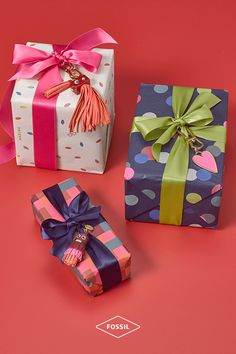 How to make your presents really stand out? Try adding a quirky leather ornament or one of our tassel bag charms to dress up your gift wrap. Think outside the box this year by making your gifts (extra) special with these holiday favorites!