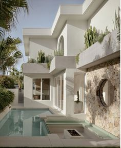 Palm Springs Houses, Palm Springs Style, House Design Pictures, Home Pictures, Home Building Design, Building A House, Gold Coast, Desert Design, Wood Staircase